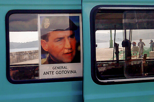 Author: Quahadi Añtó, source: wikimedia commons, URL: http://commons.wikimedia.org/wiki/File:Ante_Gotovina.poster_potpore03798.JPG